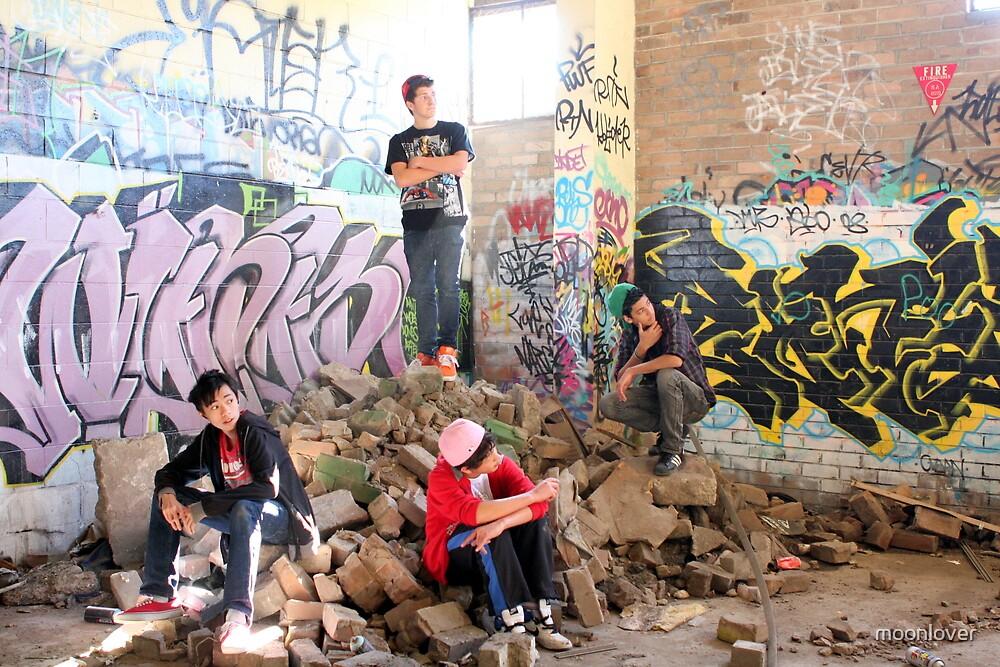 Sydney Rockstarz among the rubbles by moonlover