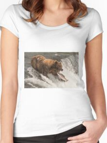 Bear about to catch salmon in mouth Women's Fitted Scoop T-Shirt