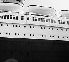 Queen Mary Hull by kuumbalion