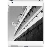 Queen Mary Departs  iPad Case/Skin