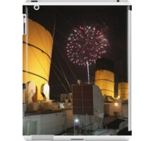Queen Mary Fireworks 2 iPad Case/Skin