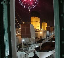 Queen Mary Fireworks 3 by kuumbalion
