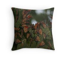 Fluttering clusters Throw Pillow
