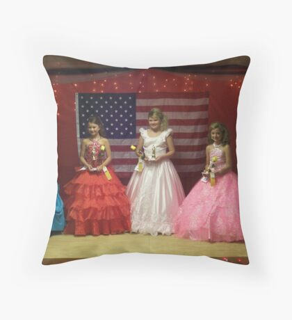 Pike Co Beauty Pageant 10-12yro winners Throw Pillow