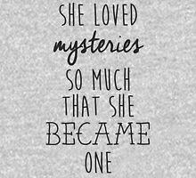 Paper Towns t-shirt – She Loved Mysteries, Margo, John Green T-Shirt