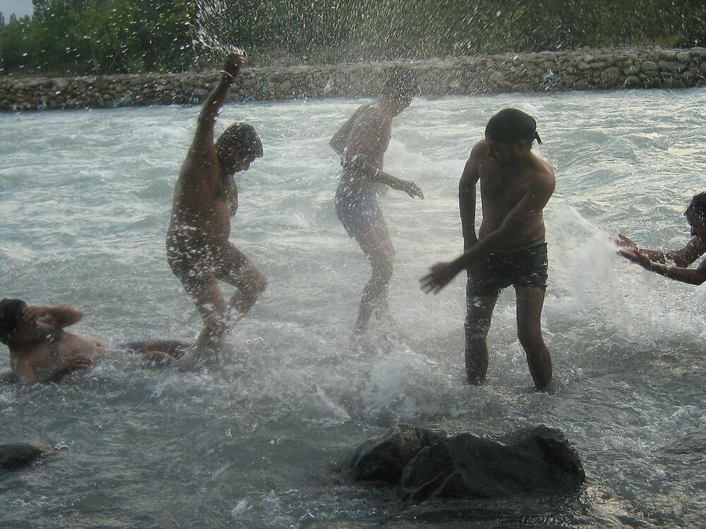 boyz in kashmir(palgaon river) by Ravneetsingh