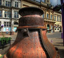Great Paul's Mould & Loughborough Town Hall by Yhun Suarez