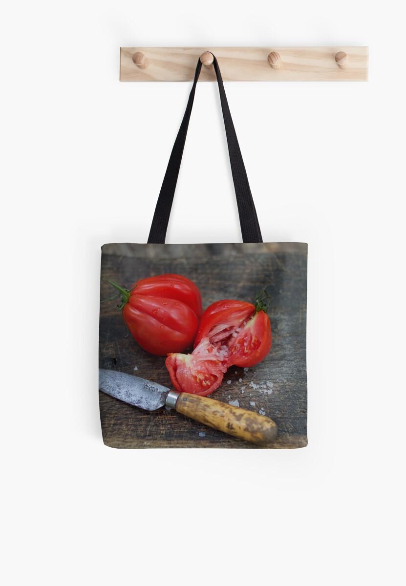 Tomato by chezus