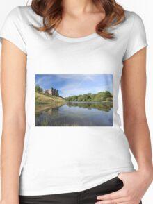 Morton Castle Women's Fitted Scoop T-Shirt