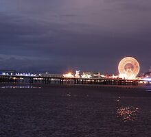 CENTRAL PIER by andysax
