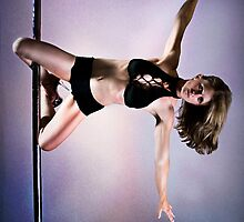 Pole Art - Knee hold II by hannahelizabeth