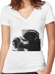 Wicker Squirrel in Love Women's Fitted V-Neck T-Shirt