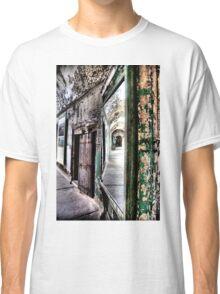 Right Mirror Classic T-Shirt