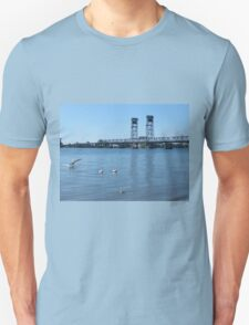 Coming in for a landing! T-Shirt