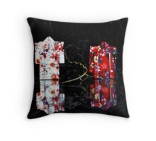 origami kimonos Throw Pillow