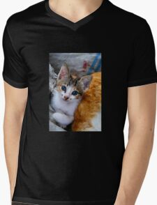Soulful eyes Mens V-Neck T-Shirt