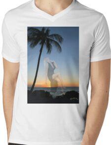 ✿◕‿◕✿  ❀◕‿◕❀ Come Dream Sweetly Tonight Beach ✿◕‿◕✿  ❀◕‿◕❀ Mens V-Neck T-Shirt