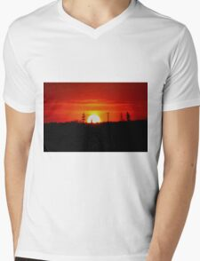 Manitoba Sunset Mens V-Neck T-Shirt