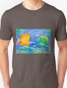 tropical fish. yellow and parrott fish. peixe papagaio Unisex T-Shirt