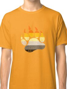 Distressed bear pride flag bear paw geek funny nerd Classic T-Shirt