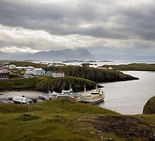 Boats in Harbour at Stykkishólmur by hinomaru