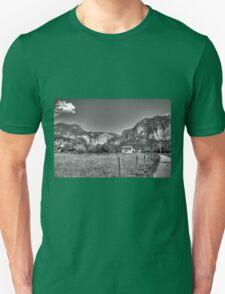 Obertraun walks 1 b&w T-Shirt