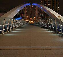 LOWRY BRIDGE AT NIGHT by shaun-e