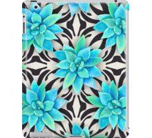 Watercolor succulent pattern on monochrome background iPad Case/Skin