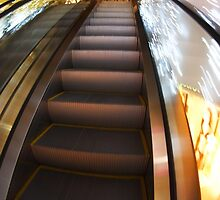 Escalator in the big shopping center in the movement by vladromensky