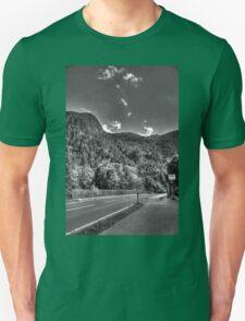 Obertraun walks 4 b&w T-Shirt