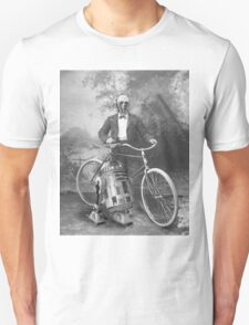 C3PO and R2D2 with Vintage Bike T-Shirt