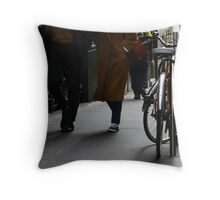 Step into my image please ... VI Throw Pillow