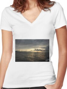 Atardecer, Isla Tortuga, Costa Rica Women's Fitted V-Neck T-Shirt