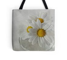 Daisies in a glass jar Tote Bag