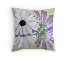 Pretty from all sides Throw Pillow