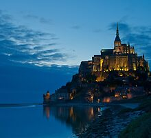 Mont Saint Michel at night by solaner