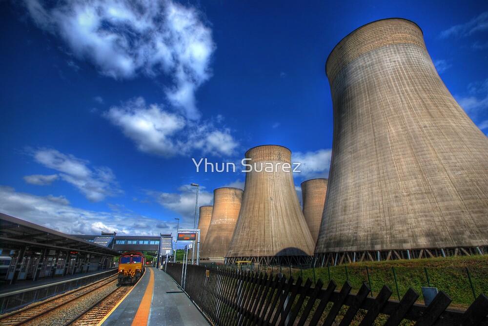 Ratcliffe-On-Soar Power Station by Yhun Suarez