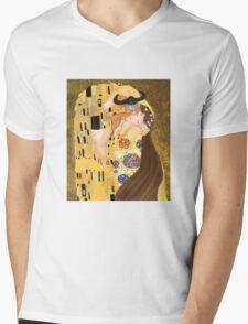 Stoick and Valka's Kiss Mens V-Neck T-Shirt