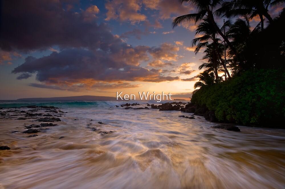 Pa'ako golden surge by Ken Wright