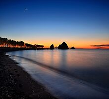 Night falling at Avlonas beach by Hercules Milas
