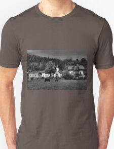 Obertraun walks 6 b&w T-Shirt
