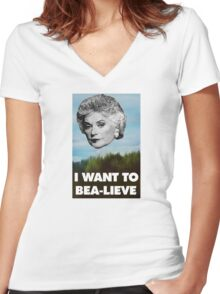I Want to Bea-lieve Women's Fitted V-Neck T-Shirt