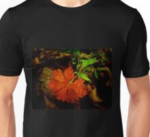 Red and Wild Geranium Leaf - Geranium maculatum Unisex T-Shirt