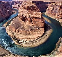 Horseshoe Bend  by algill