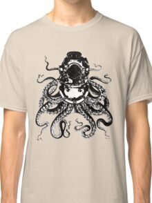 Octopus in a diving helmet Classic T-Shirt