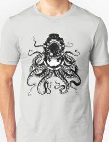 Octopus in a diving helmet Unisex T-Shirt