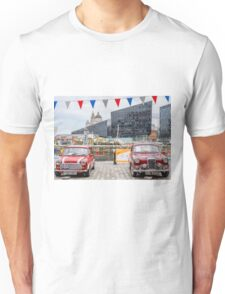 Classic cars, Liverpool waterfront Unisex T-Shirt