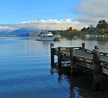 Lake Wanaka. South Island, New Zealand. by Ralph de Zilva