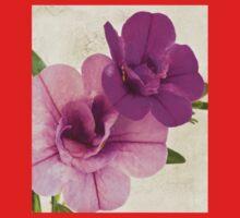 Calibrachoa Petunia Blossoms - Macro Kids Tee
