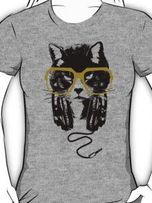 Hip Hop Angry Cat Design T-Shirt